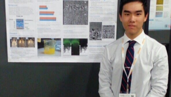 "Andrew Nguyen presents his poster ""Design, fabrication, and characterization of collagen-based multi-zonal scaffolds for osteochondral tissue engineering""."