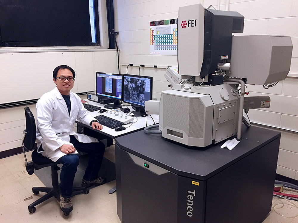 Xingxu Liu at the console of the FEI/Thermo Fisher Scientific Teneo SEM in the Center for Advanced Microscopy and Materials Analysis. With this tool, particle size, morphology and chemistry can be studied at the sub-micrometer scale.