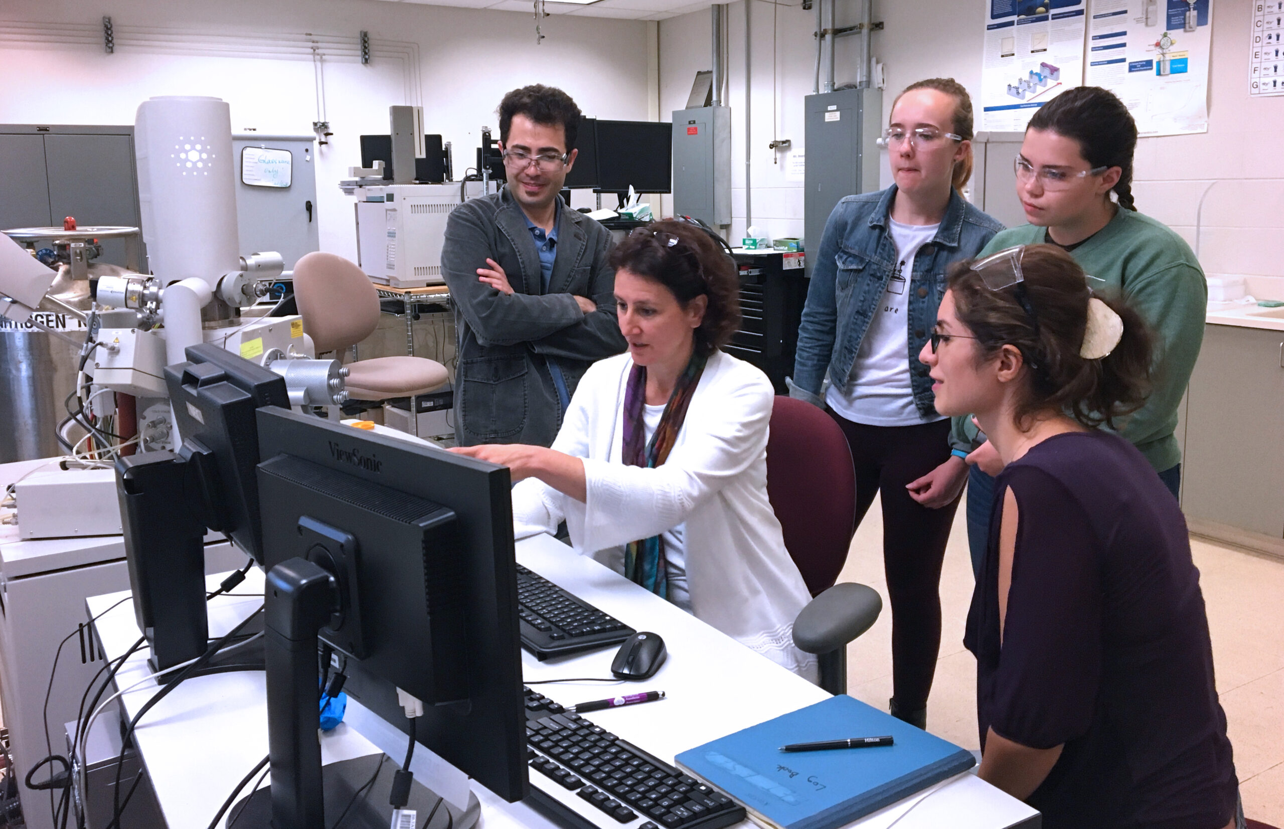 Assistant Professor Jasna Jankovic with her graduate and undergraduate students in the Center for Clean Energy Engineering.